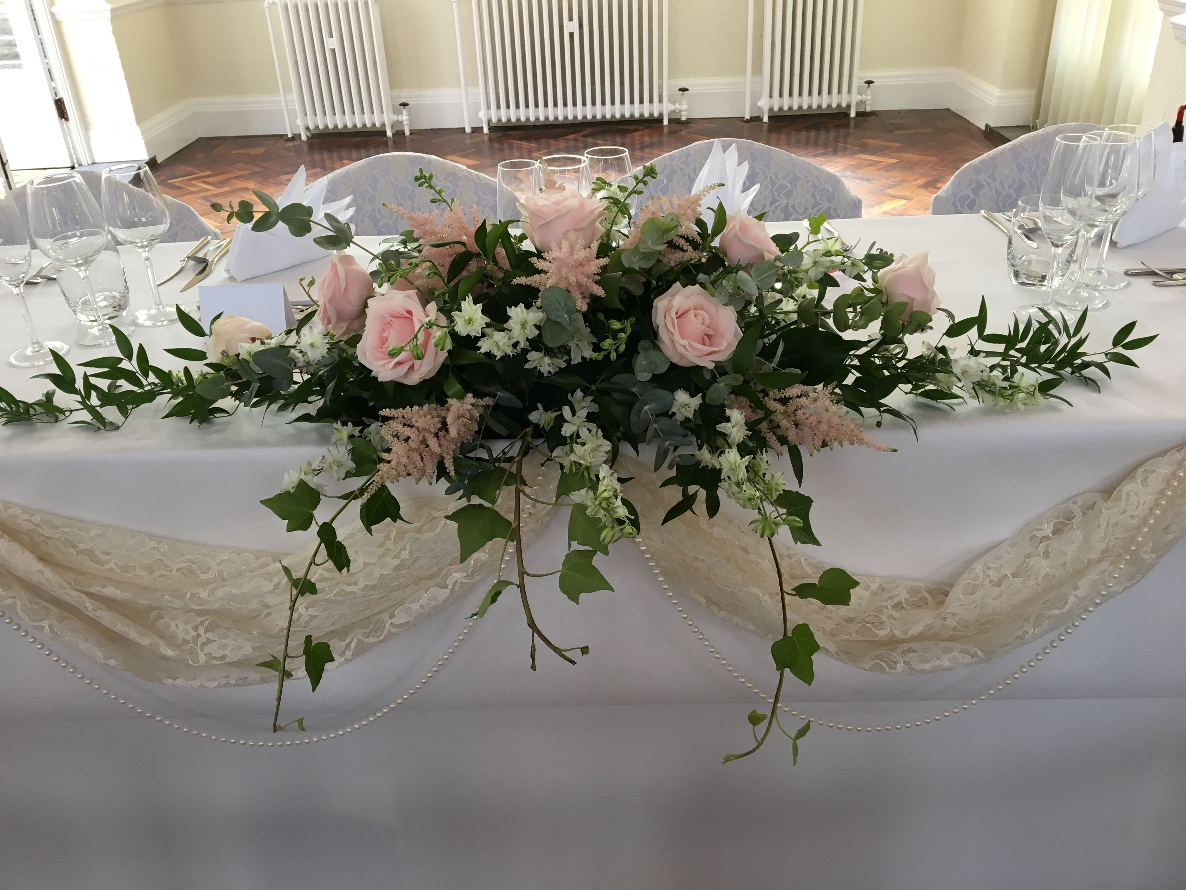 Latest Photo Bridal Flowers Gypsophelia Popular Consider A Serious Amounts Of Evaluate Wh Blumengestecke Hochzeit Tischgestecke Hochzeit Blumenschmuck Hochzeit
