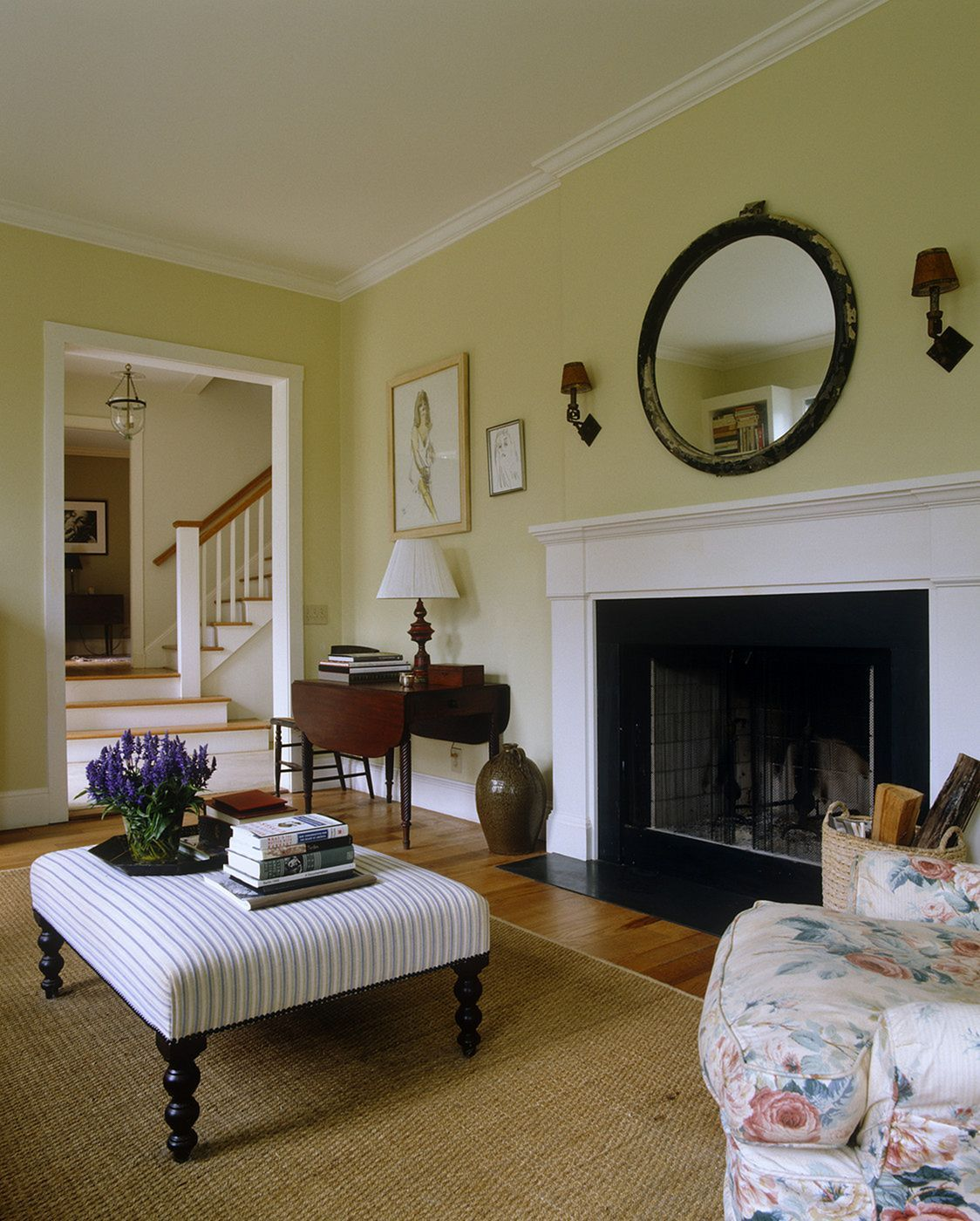 Nice 25 Yellow Traditional Living Room Design For Elegant Room New Traditional Living Room Decorating Inspiration