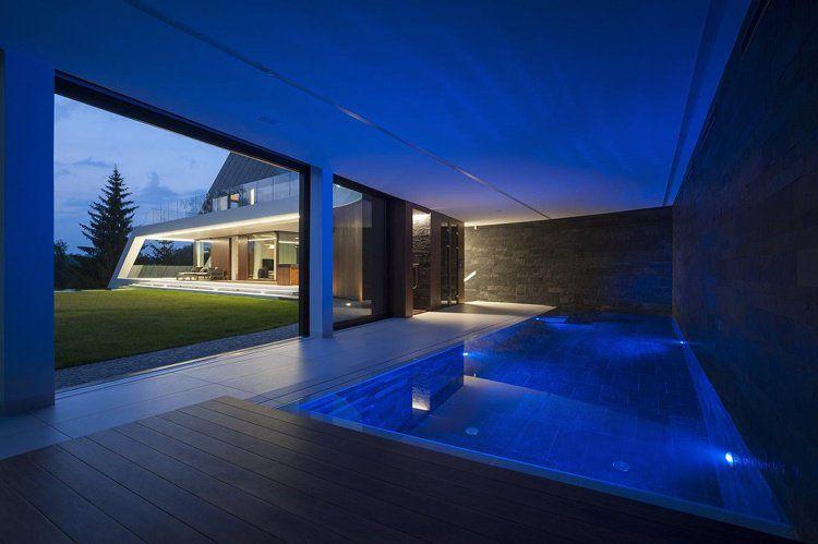 Maison sur terrain en pente de design exclusif- Edge House à