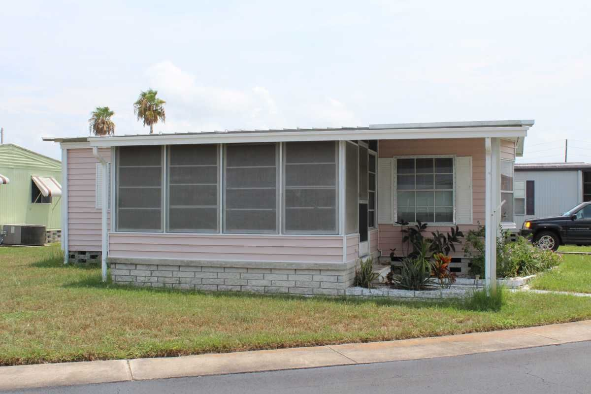Twin Manufactured Home For Sale In Hudson Fl Manufactured Home Manufactured Homes For Sale Mobile Homes For Sale