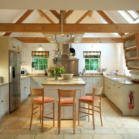 Weir House The Big Cottage Company Stylish Kitchen Farmhouse Kitchen Tables Country Kitchen