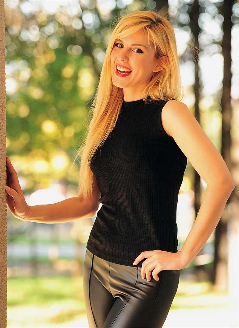 Bayan Triko Bluz 0 Kol Siyah Modelleri Ve Uygun Fiyat Avantajiyla Modabenle Triko Kadin Ve Bluz
