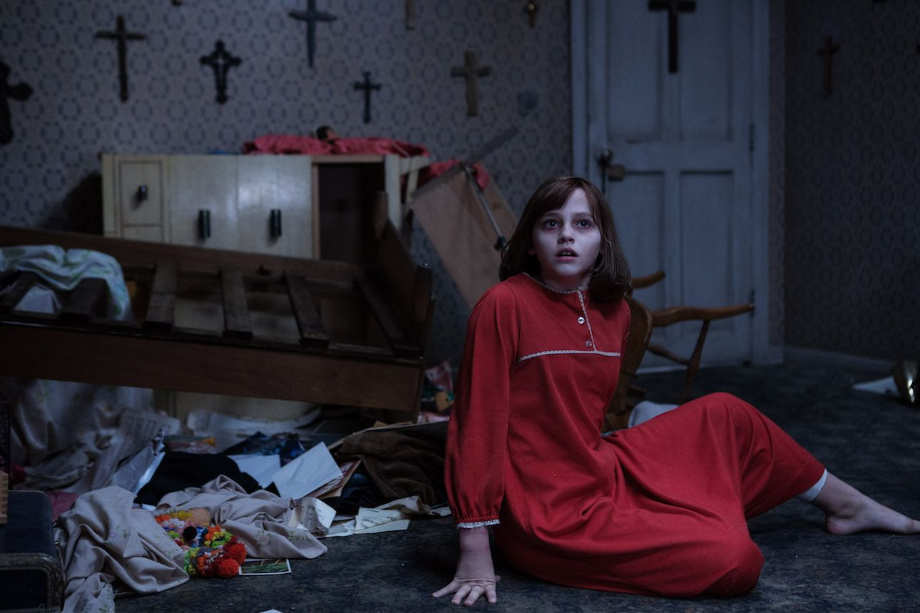 Conjuring 2 photos check out 40 stills from the horror