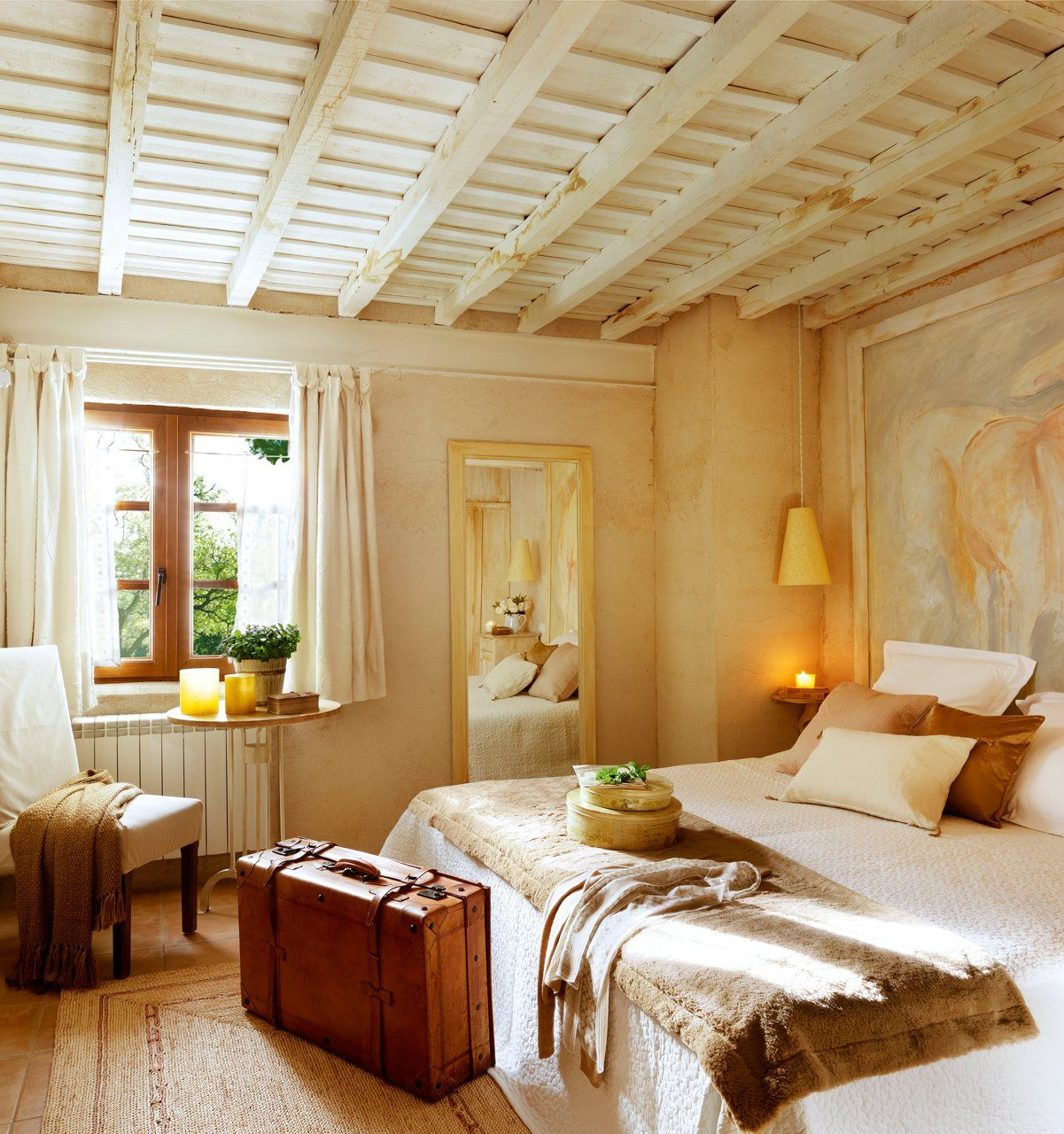 грязи спальня с деревянными потолками фото барановская принадлежит числу