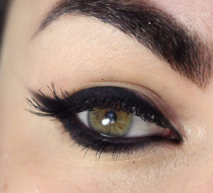 Black eye liner