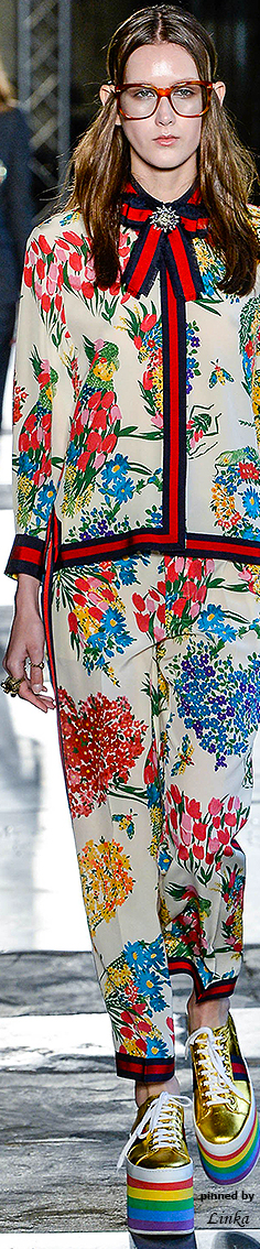 Gucci Resort Fashion 2017~pinned by Linka Crosby