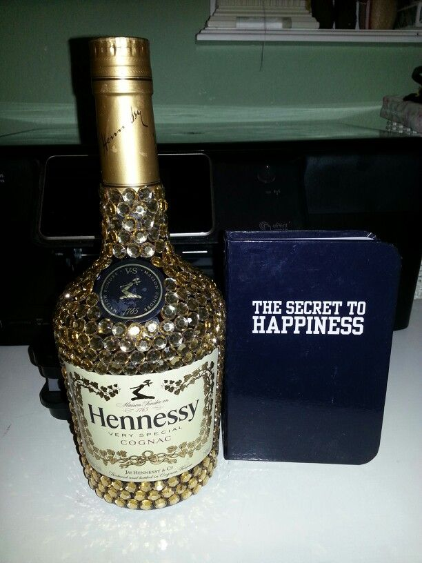 Decorated Hennessy Bottle Cool Bedazzled Hennessy Liquor Bottle  Birthday  Pinterest  Hennessy Inspiration Design