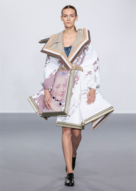 Dutch Fashion Designers Viktor Rolf Transformed Broken Picture Frames Filled With Fabric Into Haute Haute Couture Style Couture Collection Couture