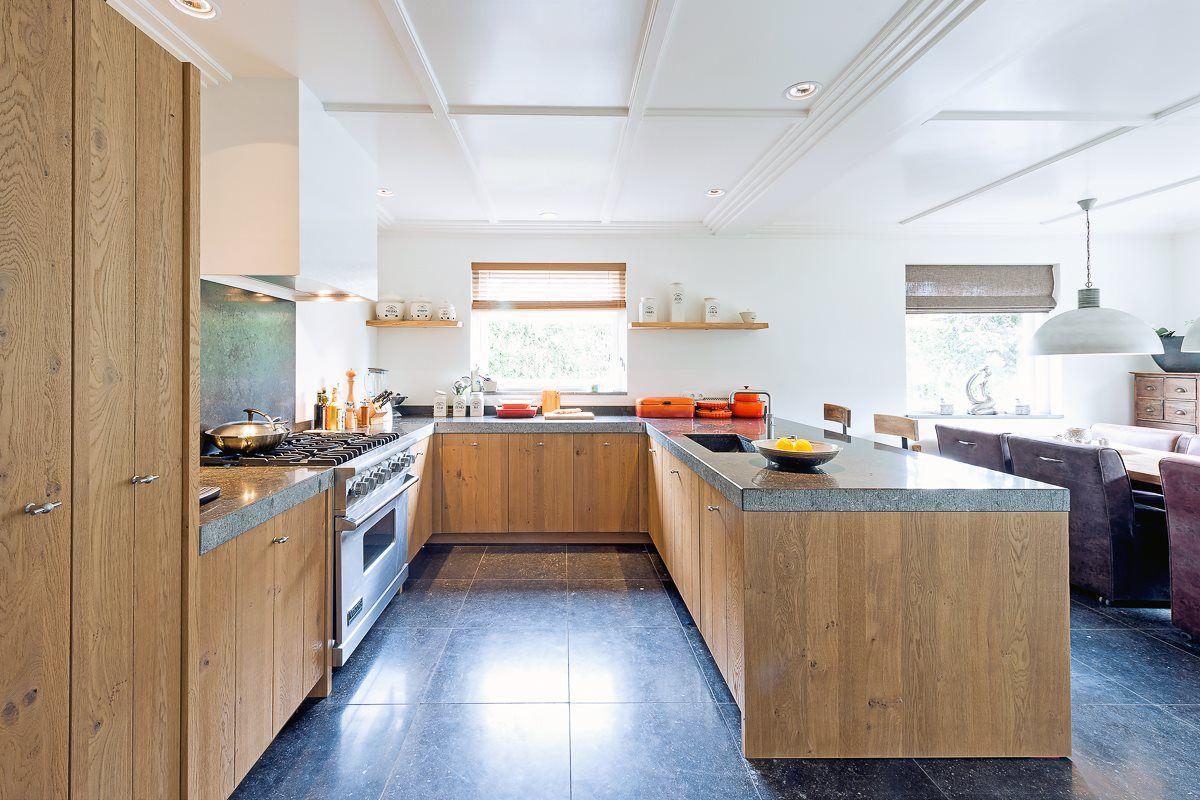 Keuken Schiereiland Landelijk : Landelijke keuken met schiereiland kitchen pinterest kitchen