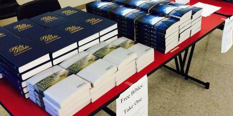 Chaque année, les sociétés de distribution de Bible rassemblent