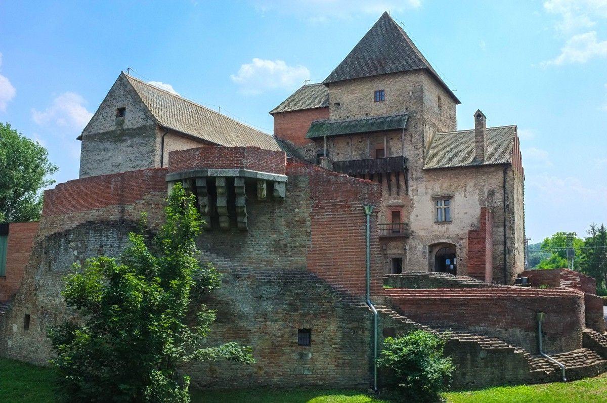 Simontornya Fortress — Eastern Chronicles — Medium