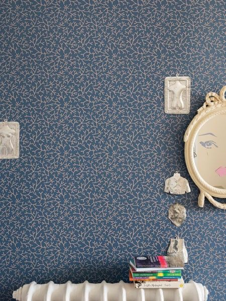 Zarte Muster In Kräftigen Farben Machen Aus Dem Raum Eine Kleine  Unterwasserwelt.