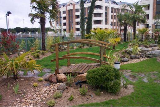 Parques de casas modernos jardines modernos peque os - Jardines de diseno moderno ...