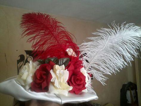 Sombreros de Catrinas elegantes con rosas rojas y blancas ... 91ddac45a24