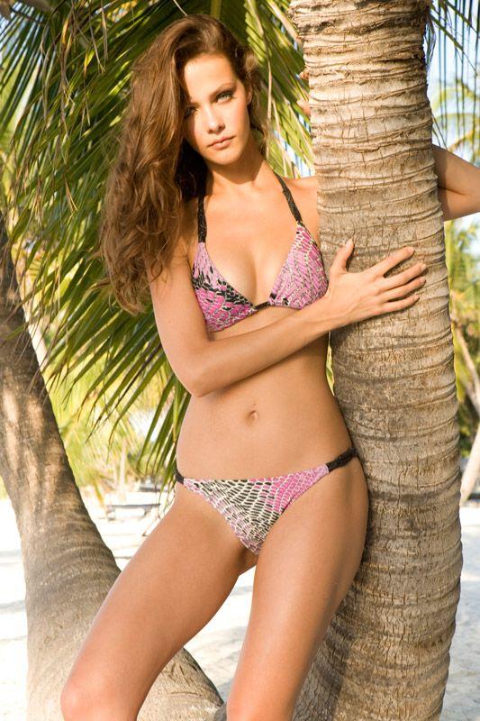 Lucia dvorska bikini