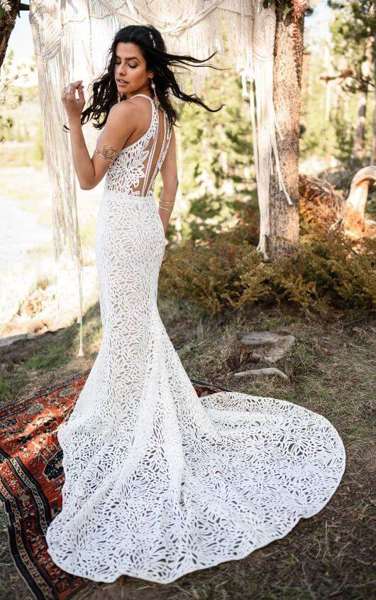 Vintage Boho Wedding Dress with High Halter Neckline All