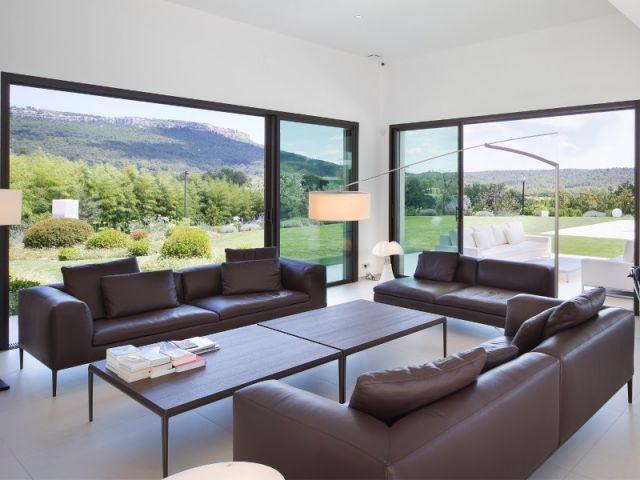 Maison d\u0027architecte  une villa moderne aux vues traversantes (VIDEO)