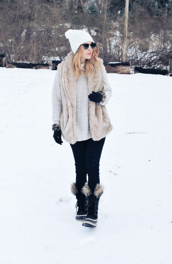 College Fashion 101: Leggings as Pants | Snow outfit, Fur
