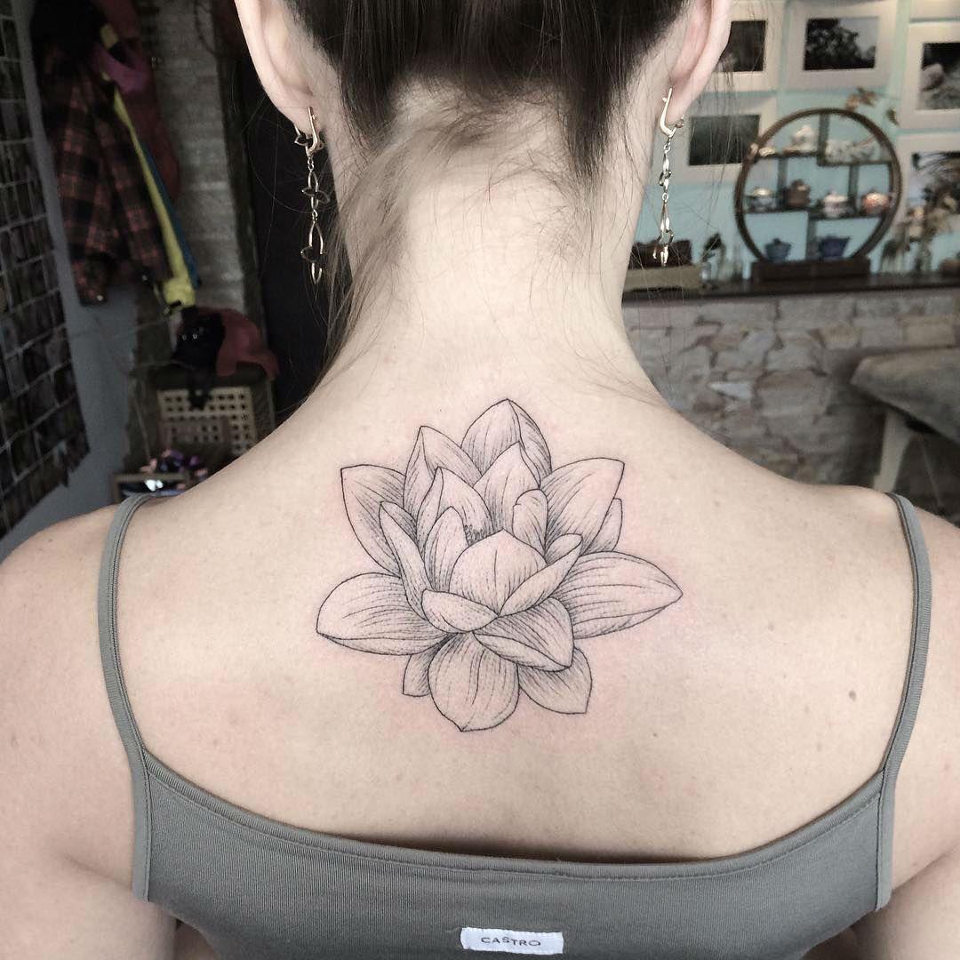 Gifted ukrainian artist creates stunning floral tattoos tattoo