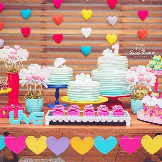 Noivinhas! Olha que tema super fofo para um noivado Chuva de amor Vi lá no IG da @liaschimildt  # Decoração Festa Aniversario Chuva De Amor
