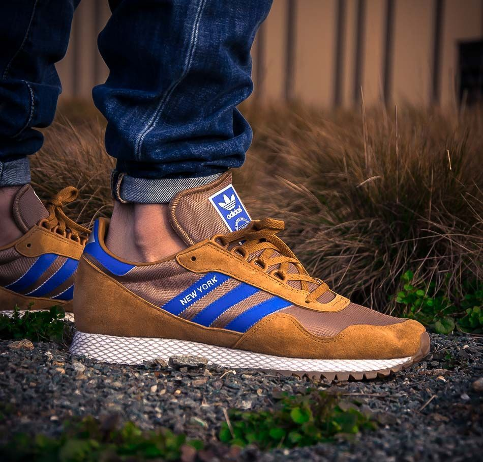 Hellbrauner adidas Originals New York Mesa Gold