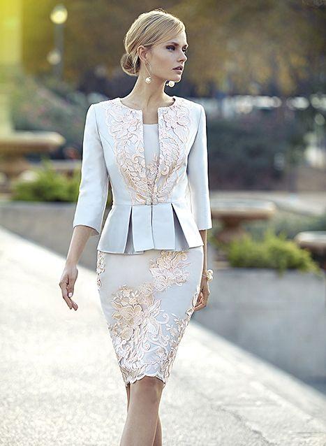 b23480b976f la collection 2015 de robes de cocktail   Carla Ruiz. Découvrez la robe de  soirée Carla Ruiz de vos rêves.