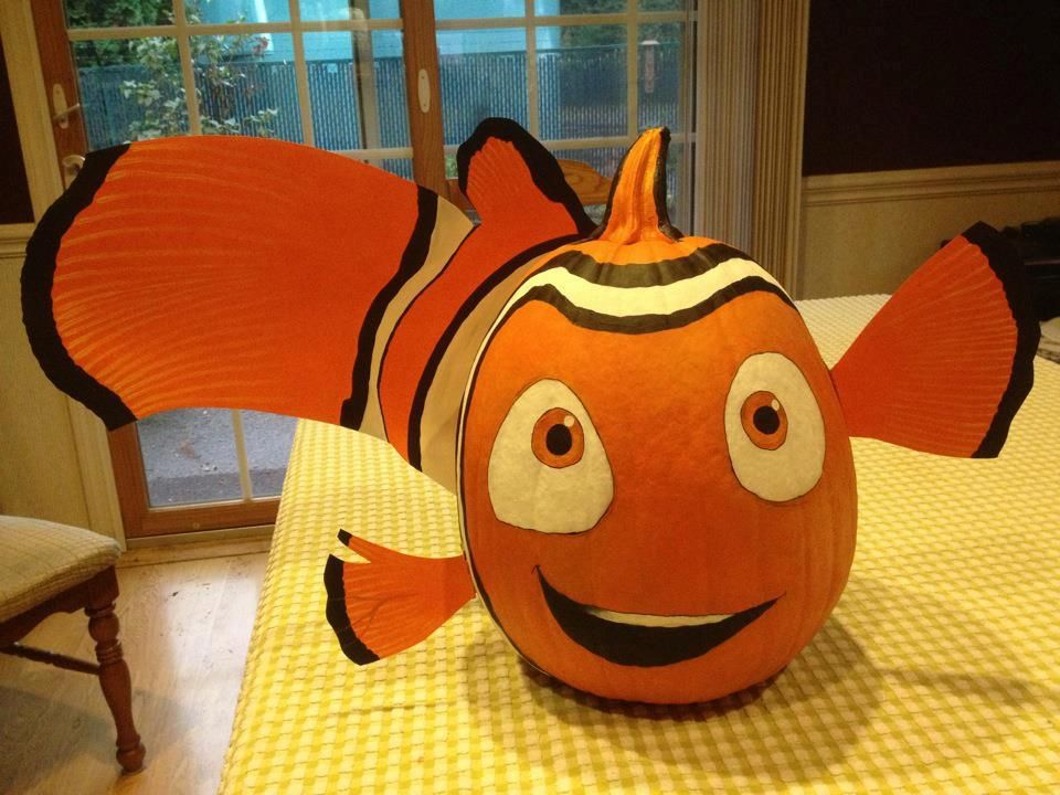 Nemo clown fish pumpkin by angela schneider note there 39 s for Clown pumpkin painting