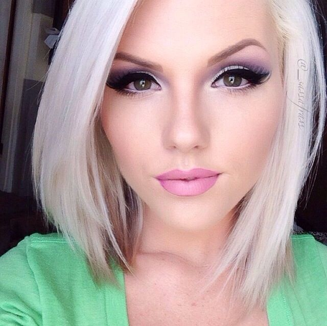 Love platinum blonde. How flawless is this girl?! I mean come on!!