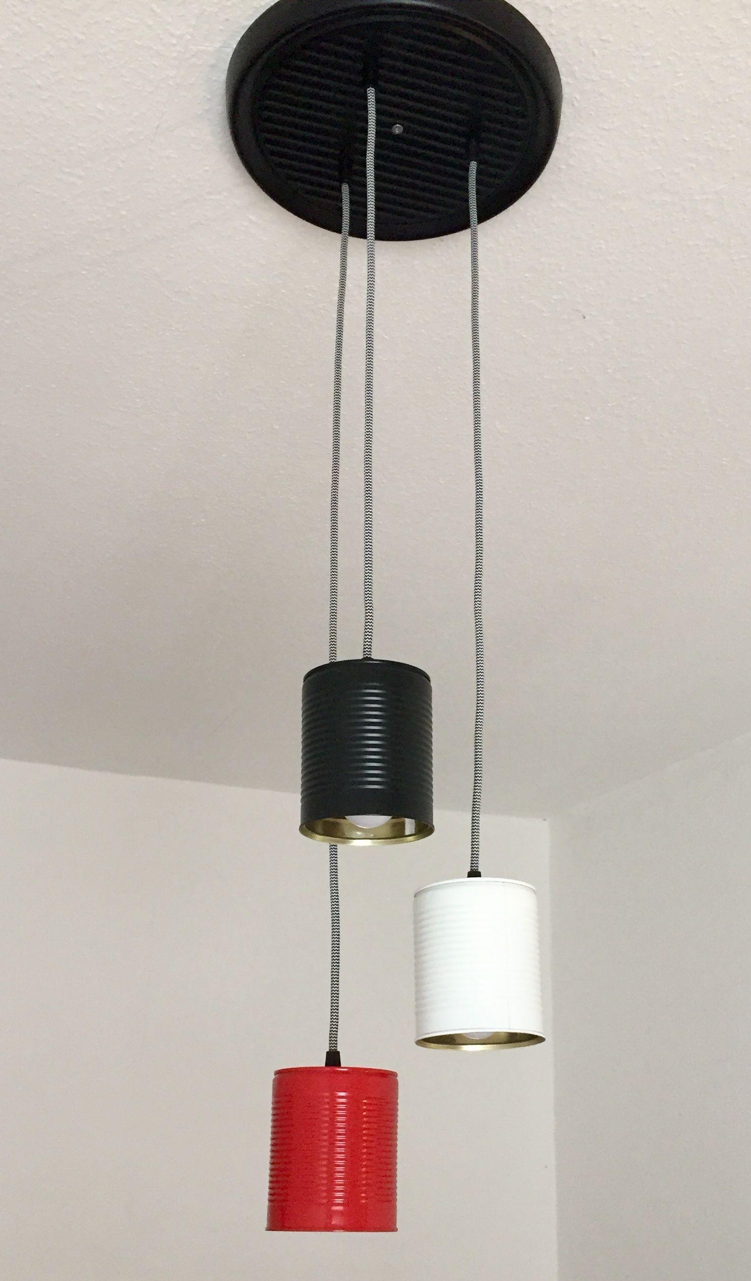 Konservendosen-Lampe. Die Lampe besteht, von der Verkabelung ...