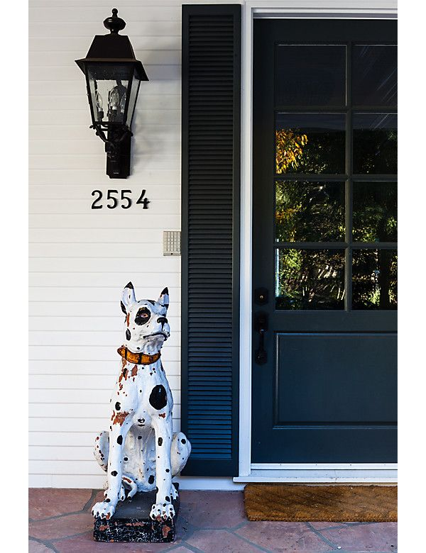 Photo Nicole LaMotte Proving that there are endless ways to stave off dull-door syndrome this front door gets a dose of personality in the form of ... & 7 Fabulous Front Doors and Why They Work   Front doors Doors and ...