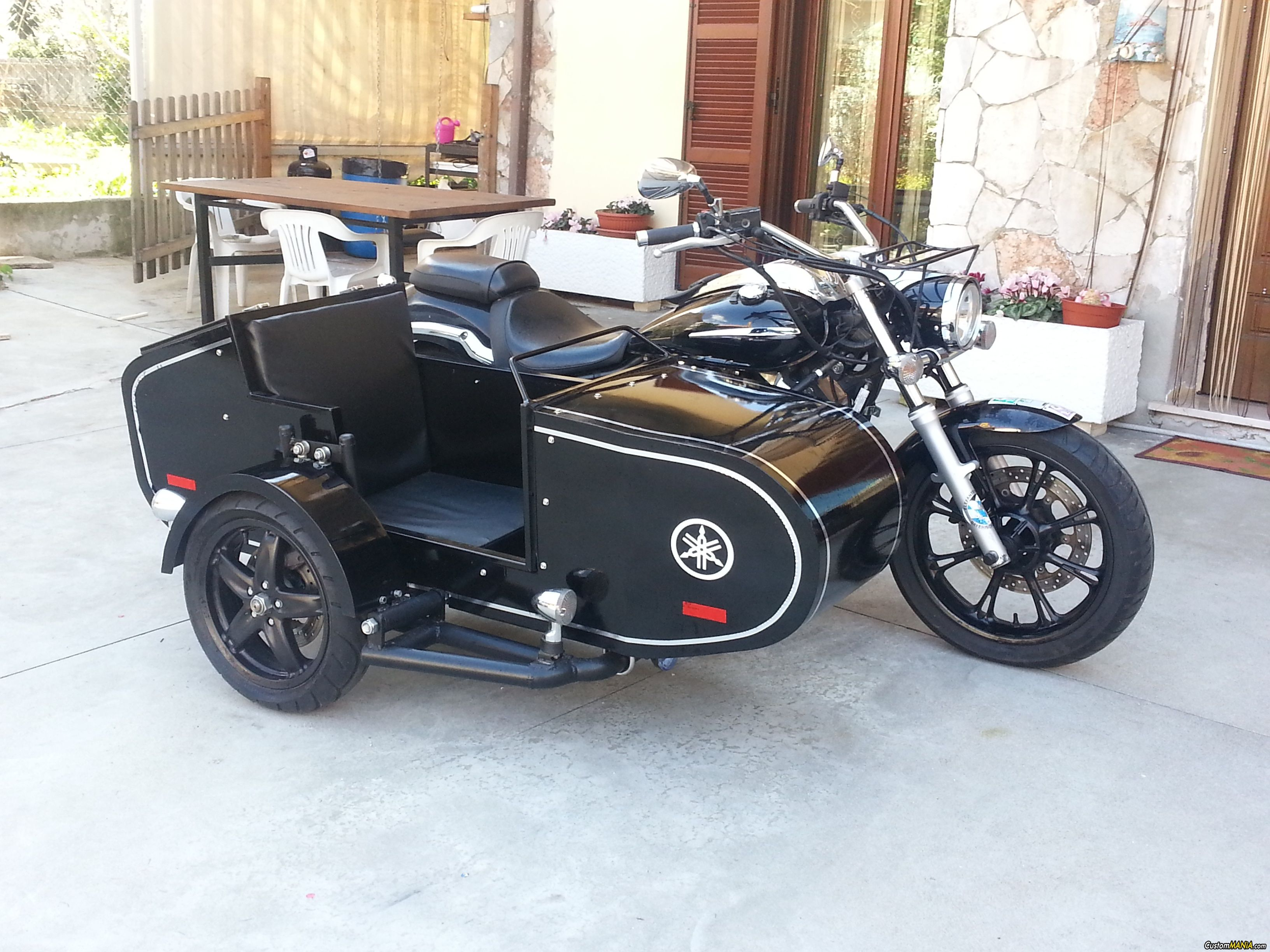 yamaha xvs 950 midnight star with handmade sidecar see more on star bolt. Black Bedroom Furniture Sets. Home Design Ideas