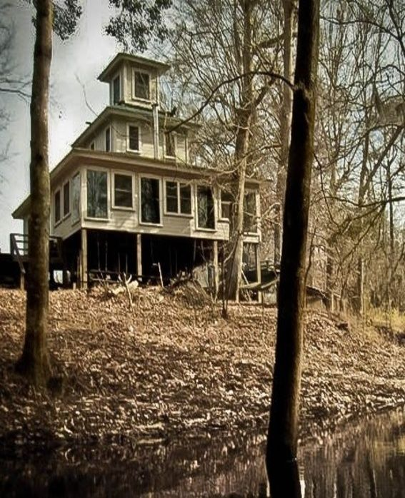 Creepy Houses, Abandoned Houses