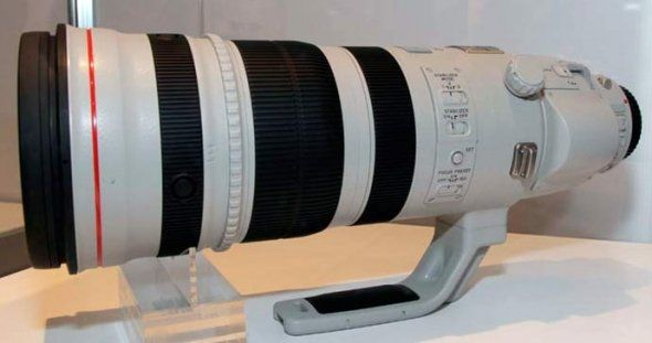The Canon 100 - 400L IS USM telephoto lens is a must have if you like sports and/or wildlife photography. This impressive zoom lens has excellent image quality and is tough, durable and built to last.