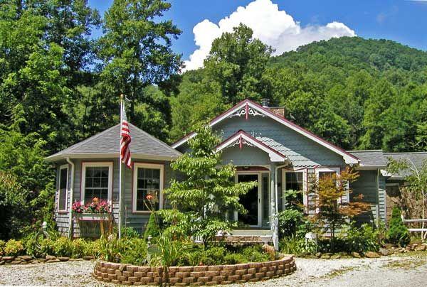 Blue Boar Retreat Telephone: 828-479-8126 Visit Website: http://blueboarretreat.com (Large Group Rental)