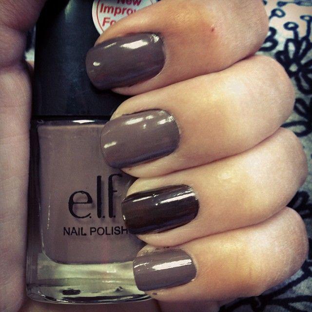 Combina tu marrón grisáceo #1561 con el chocolate #1540 y tus uñas ...