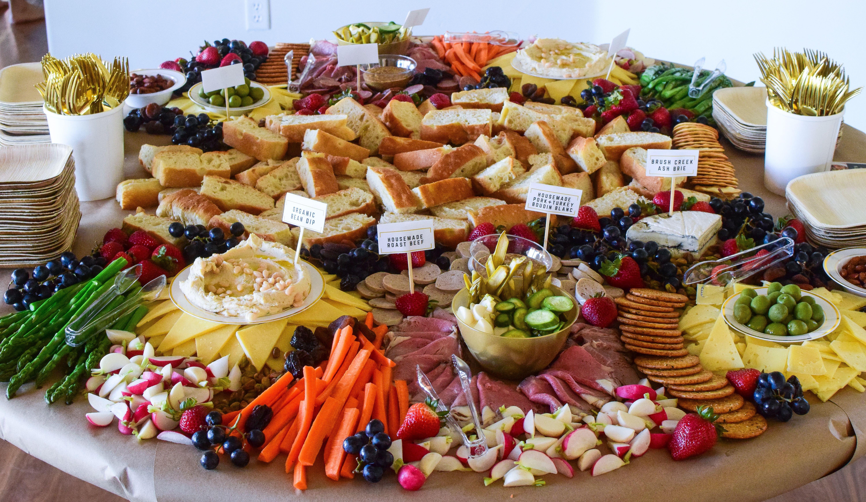 The Grazing Table Lady #banquetgrazingtable #