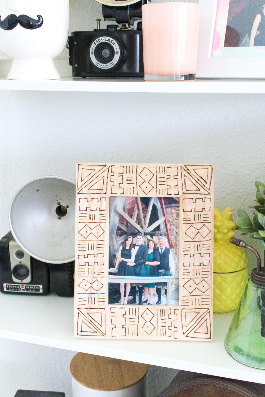 DIY Mud Cloth Wood Burned Frame | Holz bilderrahmen, Diy bilder und ...
