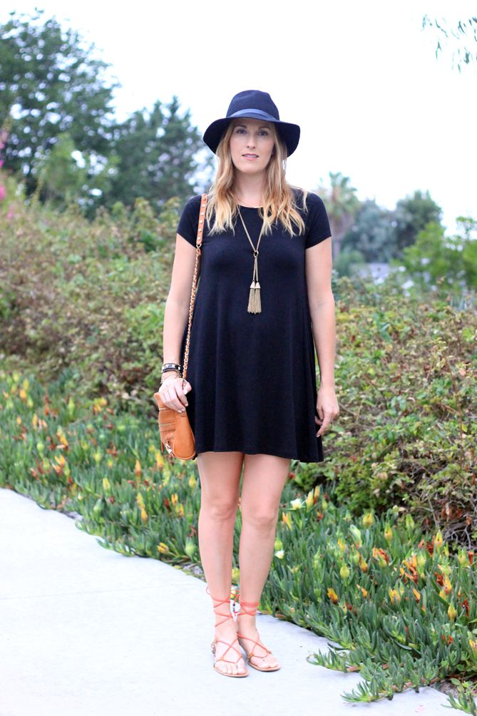 A little black dress that will be perfect for every day. - The Fashionista Momma