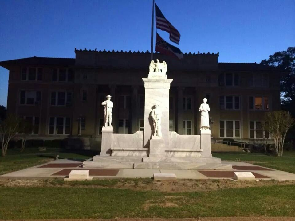 Monument At Night Poplarville Mississippi Courthouse Honoring Our Veterans