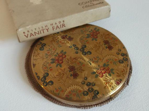Vintage Vanity Fair 1940s Powder Compact Gold by TinksVintageUK