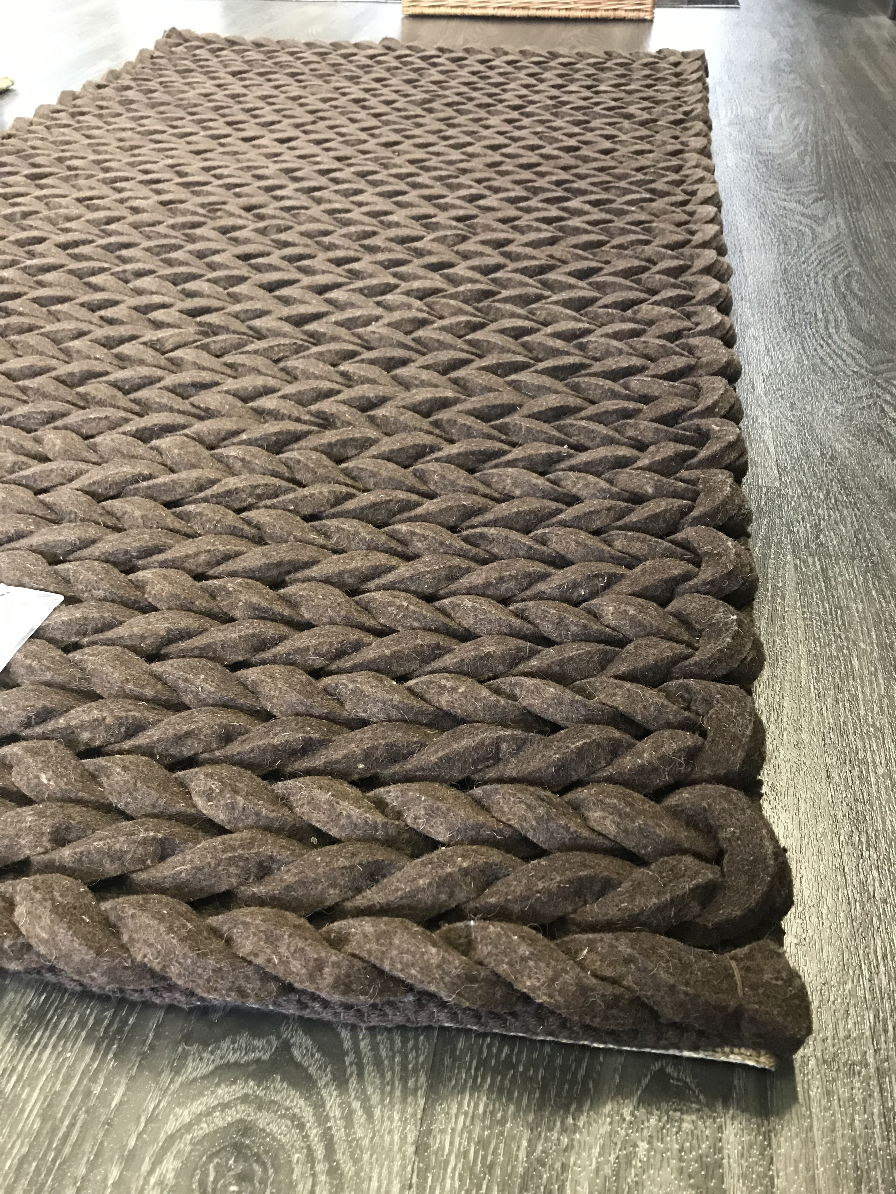 Arm knit your own chunky wool throw, or use XXL needles to