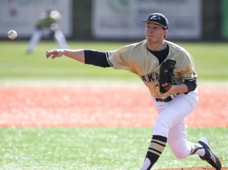 A Ninth Inning Comeback By The Akron Baseball Team Fell One Base Hit Short On Friday Allowing Visiting Ohio To Escape Akron Zips American Conference Baseball