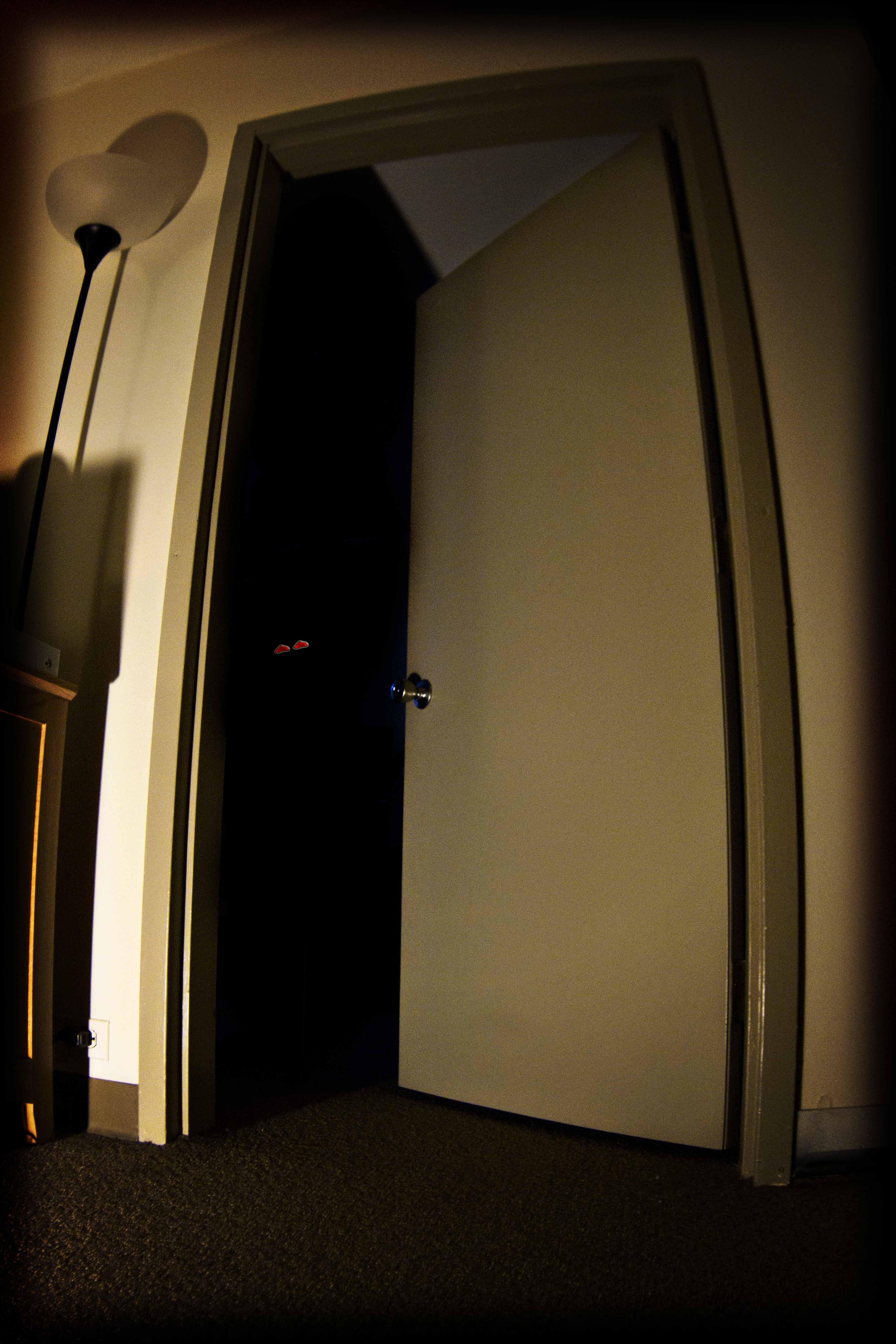 Dark Closet Doorclown The Reely Bored Blog Horror