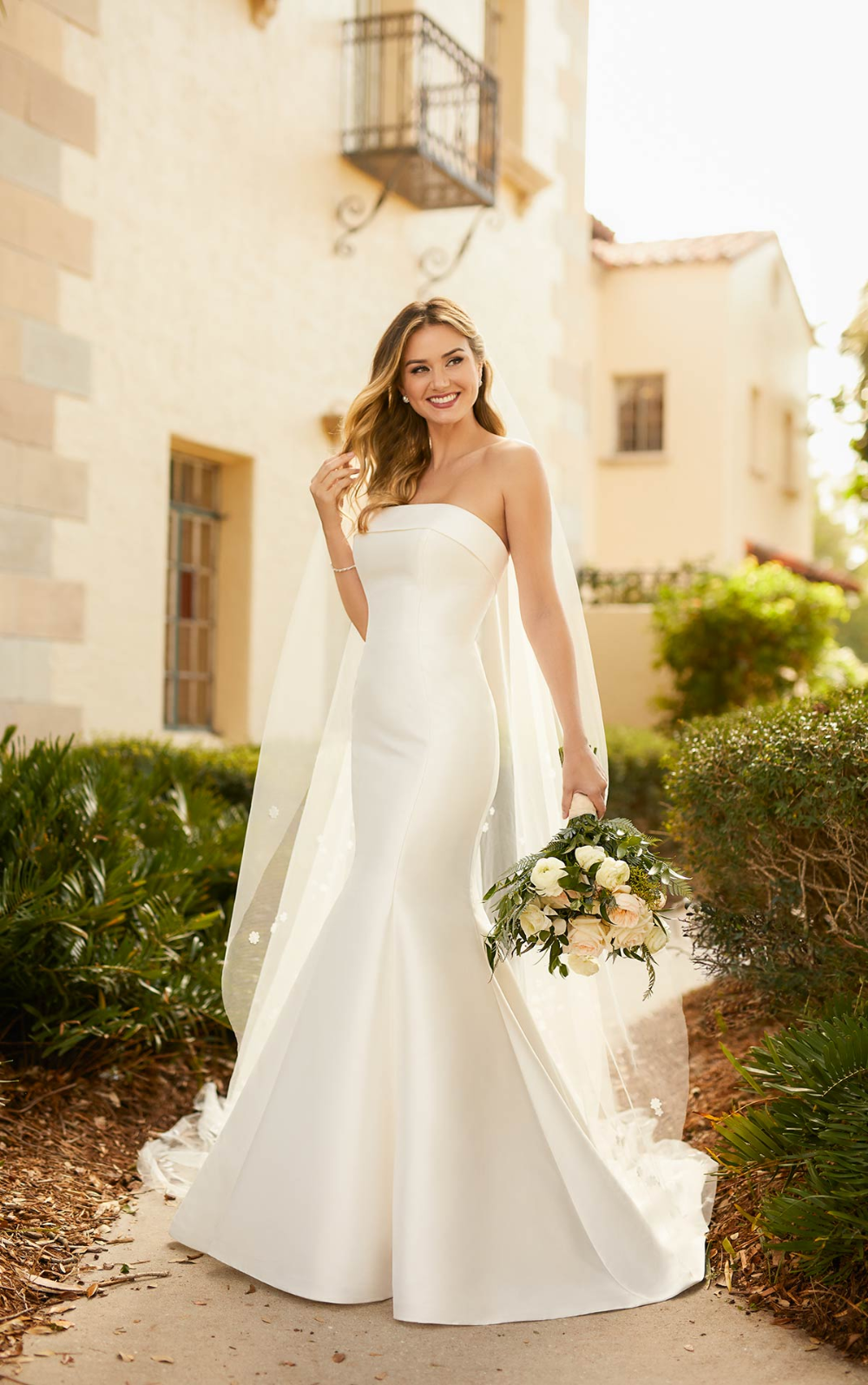 Simple Matte Mikado Fit And Flare Wedding Dress Stella York Wedding Dresses Strapless Wedding Dress Mermaid Fit And Flare Wedding Dress Satin Mermaid Wedding Dress [ 1595 x 1000 Pixel ]