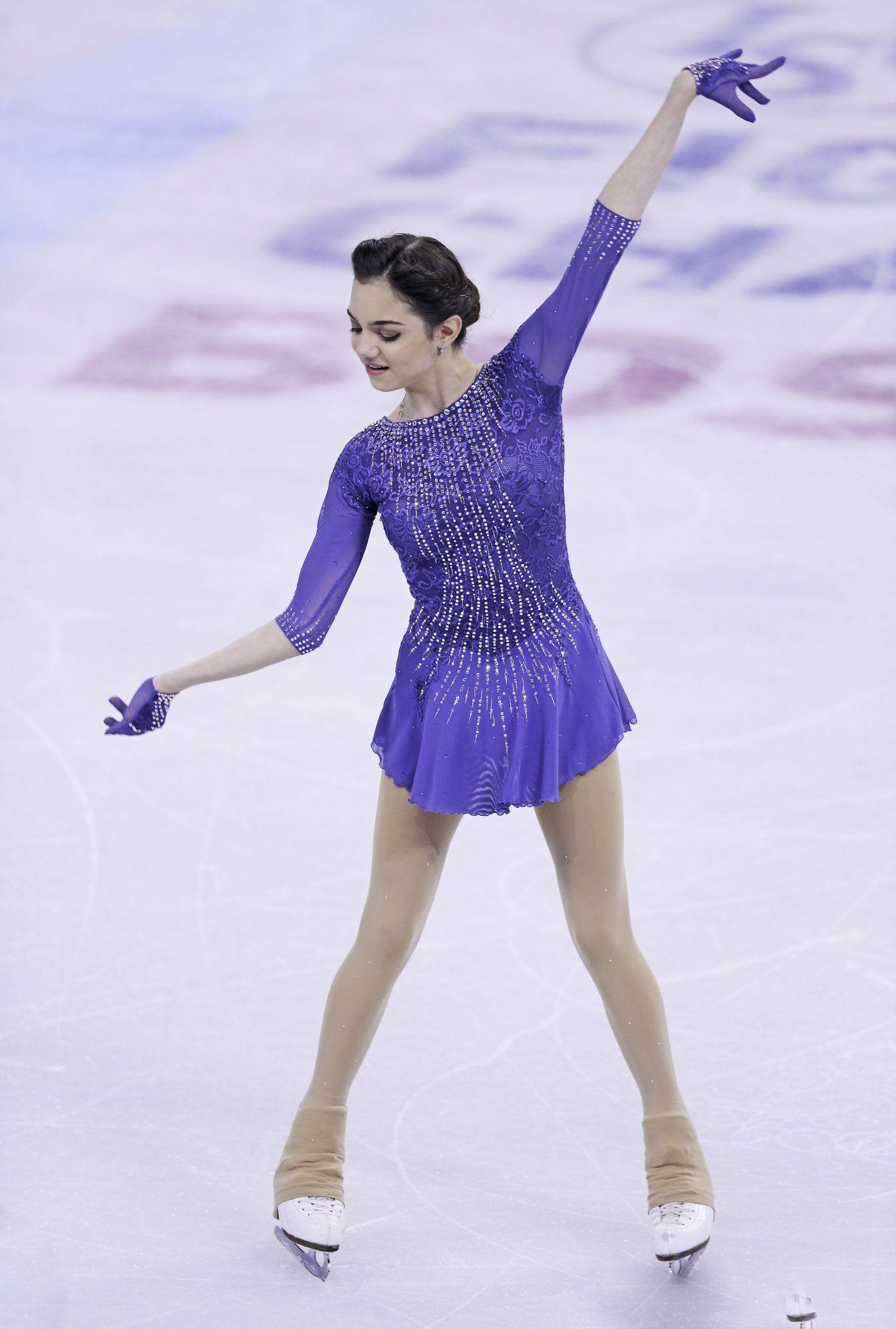 Евгения Медведева - 2 - Страница 3 в 2020 г | Одежда для скейтинга, Катание  на коньках, Фигурное катание