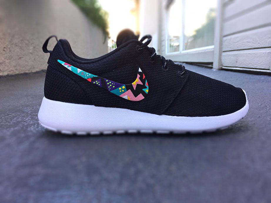 womens nike roshe run triangle all purple