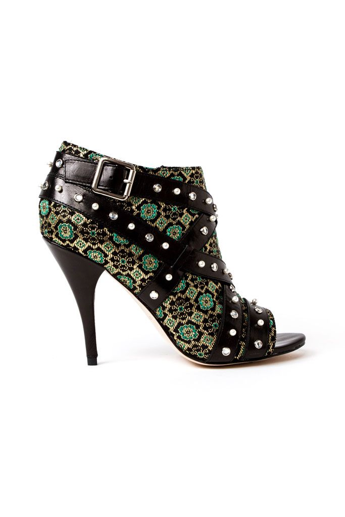 Fall 2014 Isa Tapia  Ahh the brocade! If only the straps did not have the rhinestones n studs...