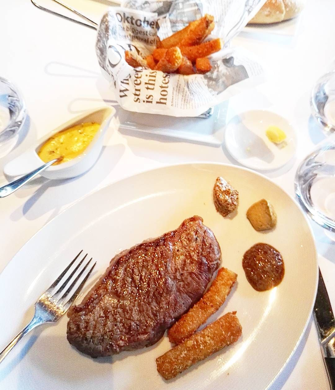 Business lunches are a great way to try new restaurants