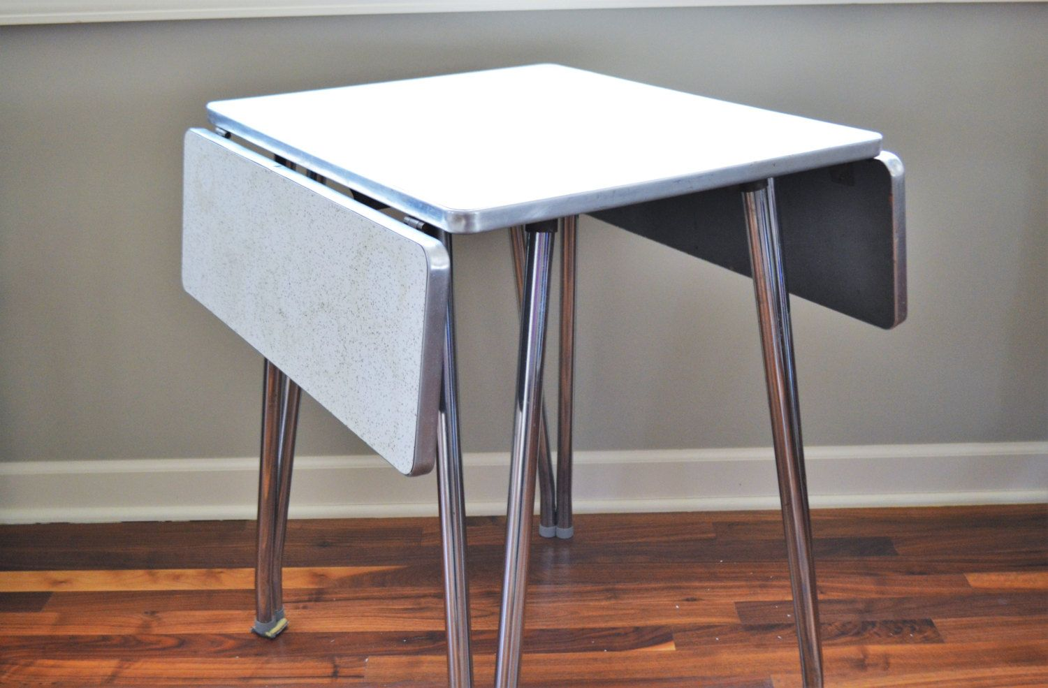 1950s Formica Top Drop Leaf Table With Chrome Legs Retro Etsy