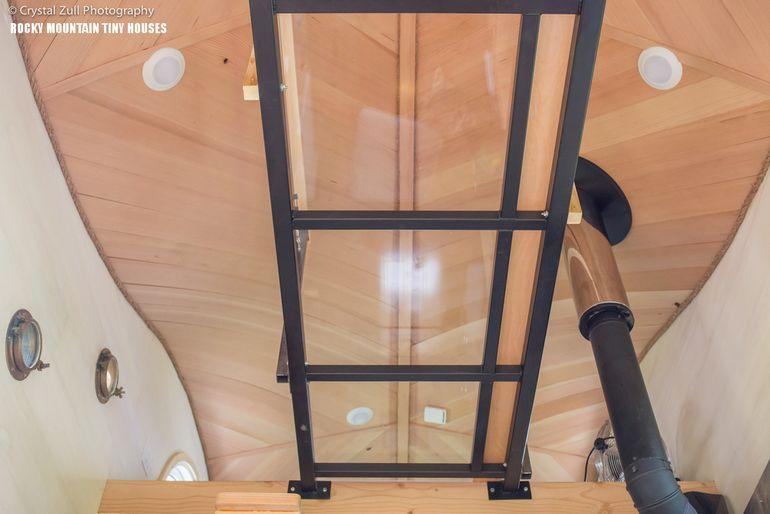 The plexiglass-bottomed walkway